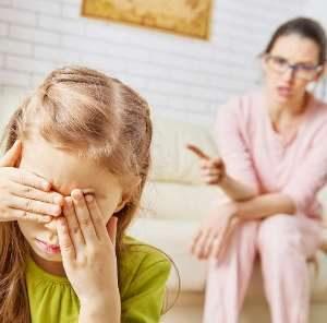 5 токсичных фраз, которые испортят жизнь вашему ребёнку